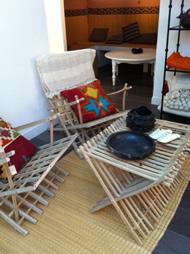 fauteuils et tables basses en vente au Hammam Biarritz